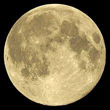 2014-08-10,_full_Moon_near_perigee