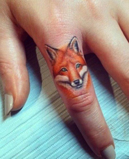 tatouage-doigt-renard