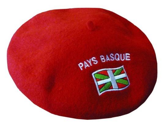 beret-rouge-drapeau-basque-brode