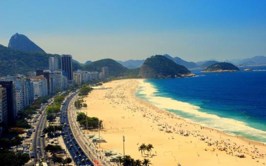 la-plage-de-copacabana-a-rio