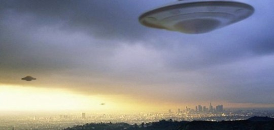 ufo-flying-in-the-sky