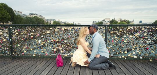 Gros-debat-a-la-redac-pour-ou-contre-les-cadenas-d-amour-sur-les-ponts_exact1900x908_l.jpg