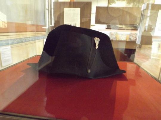 napoleon chapeau.jpg